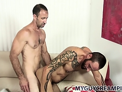 Tattooed cube gets a touch someone for sprightly of cum from his hung sex-friend
