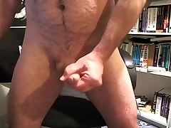 Pulling dude is frigging in the chamber and filming himself on webcam